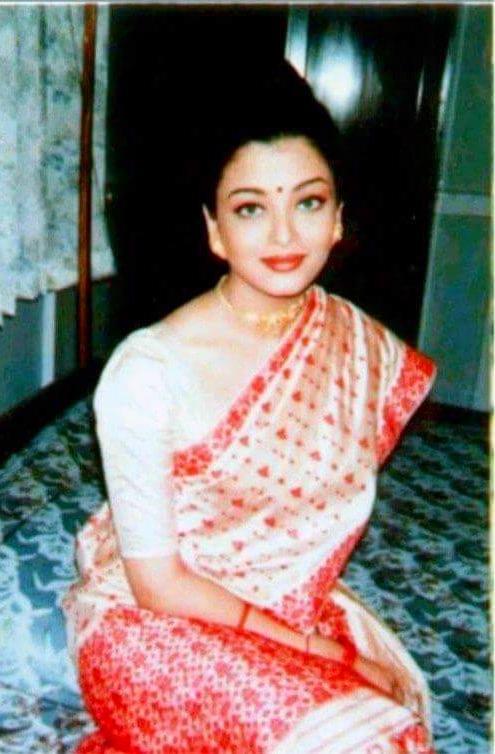 bollywood actress mekhela chadaor