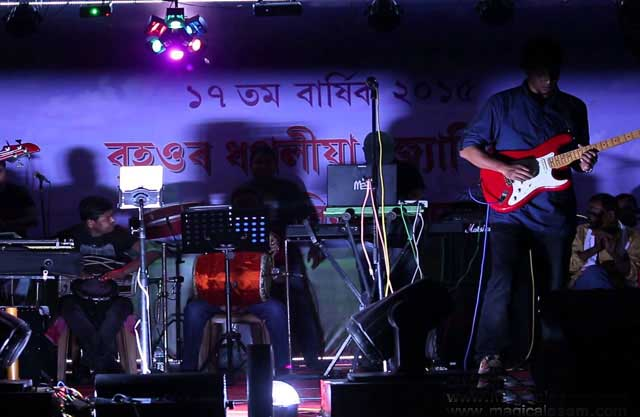 2-bihu-stage-show