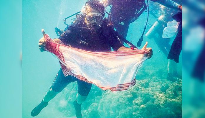 gamosa-under-water