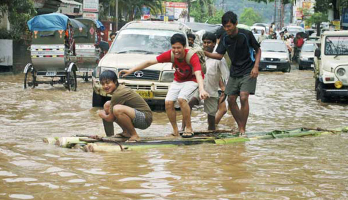 guwahati two or three heavy rainfalls in day wreck havoc essay Floods wreck havoc in several parts of andhra tungabhadra are increasing every hour following heavy rain upstream in neighbouring don bosco day by day.